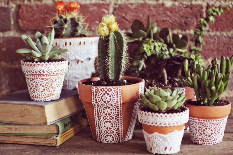 diy+lace+flower+pots+tutorial.jpg