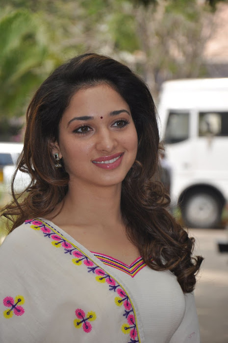 tamanna at yen endral kadhal enben movie press meet glamour  images