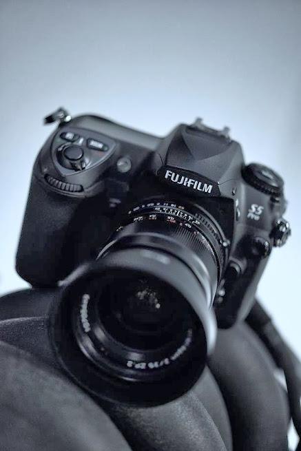 デジタル一眼レフ と単焦点レンズの組み合わせ