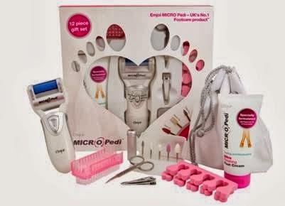 http://girlswithorwithoutbangs.blogspot.pt/2014/02/passatempo-gift-set-micro-pedi.html