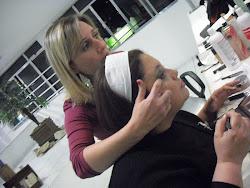 No curso de maquiagem