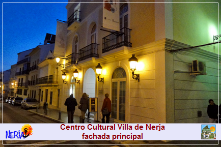 Fachada principal del Centro Cultural Villa de Nerja