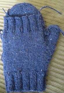 Convertible Mitten Knitting Pattern : ChemKnits: Convertible Fenway Mitts (Convertible Mittens)