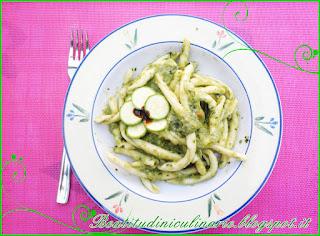 maccheroni calabresi al pesto delicato di zucchine e pecorino