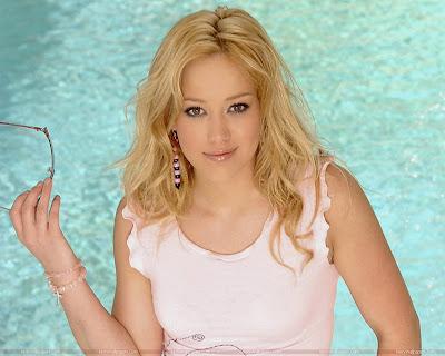 Hilary Duff Glamorous Wallpaper