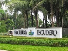 Travel Experiment Backpacking Exploring Villa Escudero
