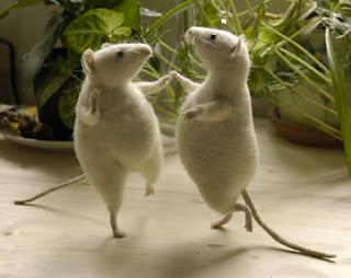 Two mice dancing