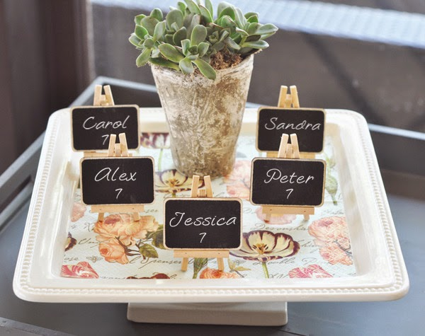 http://www.weddingfavoursaustralia.com.au/products/chalkboard-place-cards