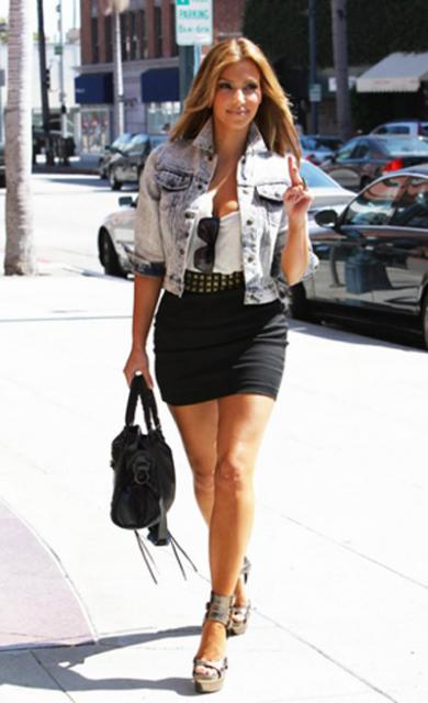 Latest Celebrities Fashion News Kim Kardashian In A Denim Jacket