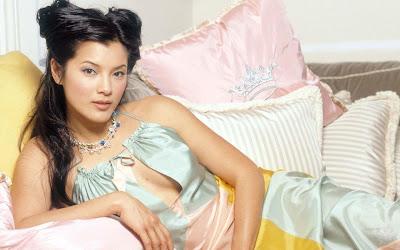 actress_kelly_hu_hot_wallpaper_02_fun_hungama_forsweetangels.blogspot.com