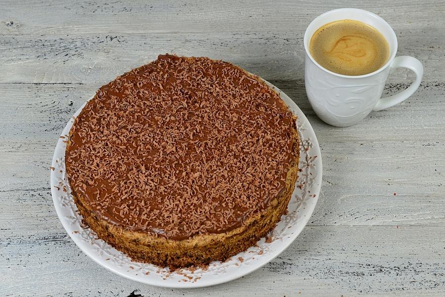 Ciasto czekoladowe z figami i żurawiną kawa