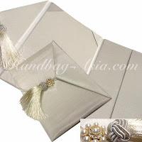 http://handbag-asia.com/silk-envelope-CH60.htm
