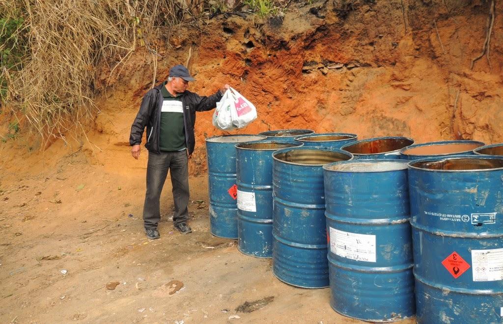 Moradores do Jardim Meudon aprovam solução da Prefeitura para o problema do lixo da Rua Oliveira Nunes