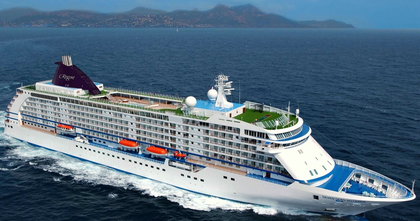 Beautiful World Largest And Grandest Cruise Ship