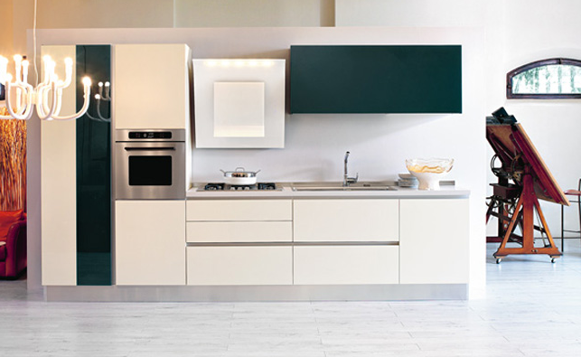 Cocinas lineales nada presuntuosas cocinas con estilo for Cocina 3 metros pared