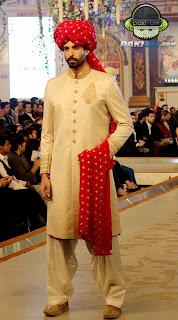 new-pakistani-groom-dresses-by-humayun-alamgir