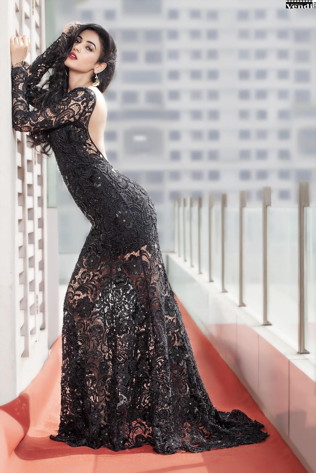 Bollywood Actress Sonal Chauhan Black Dress Hot Arousing Pics