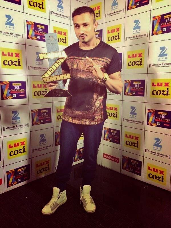Punjabi Singer Yo Yo Honey Singh Won Zee Awards