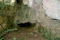 Formacions de tosca que s'han anat fent a les parets degut a l'abundant caudal d'aigua que baixava pel torrent