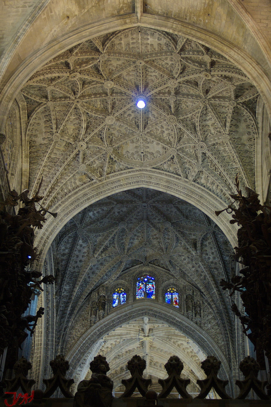 Disparando en los pedroches interior catedral de sevilla - Catedral de sevilla interior ...
