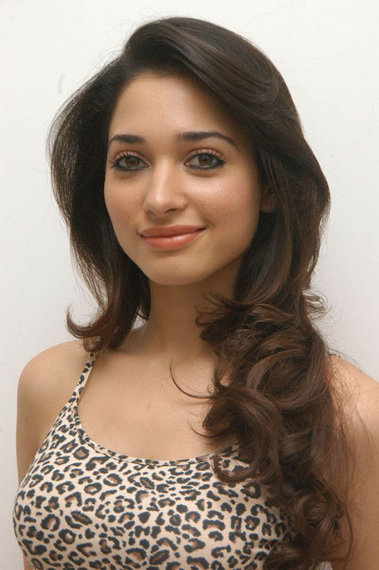 Tamanna latest hot stills unseen pics