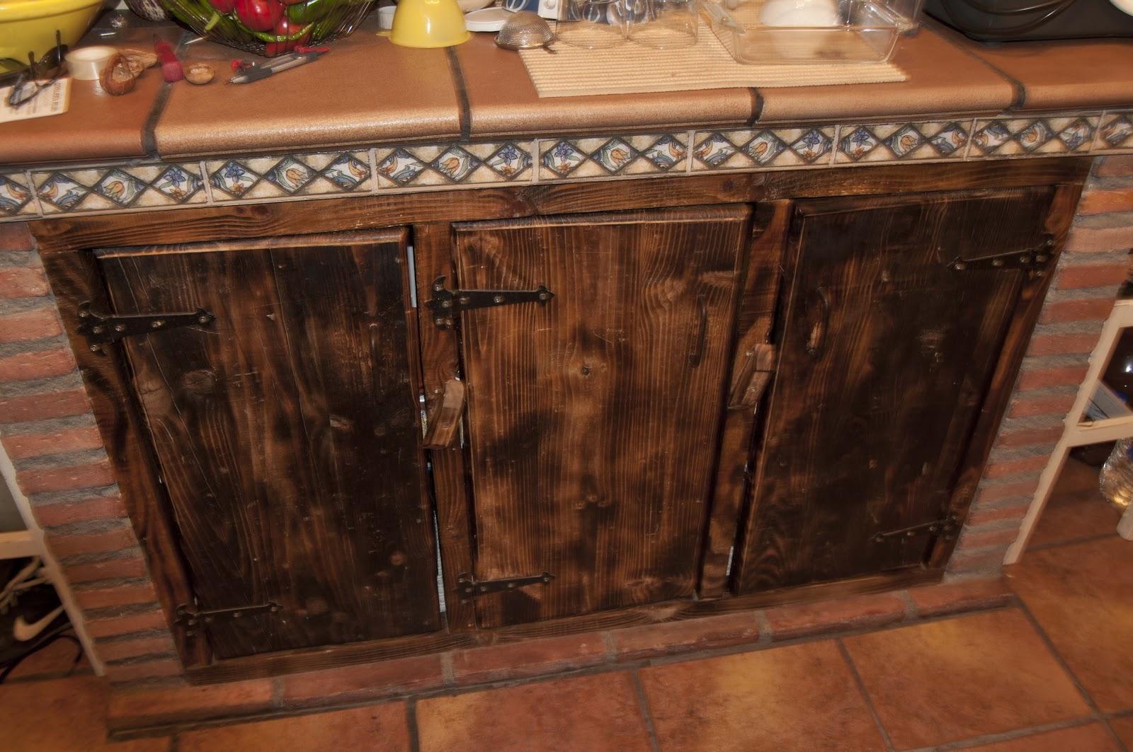 Artesania en madera y forja cocina rustica - Puertas de cocina rusticas ...