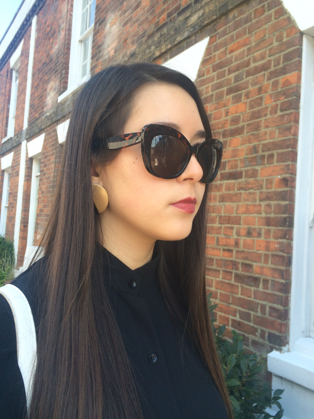 New Look cat eye sunglasses, lipstick, topshop earrings, fashion blogger, ootd, outfit post, street style