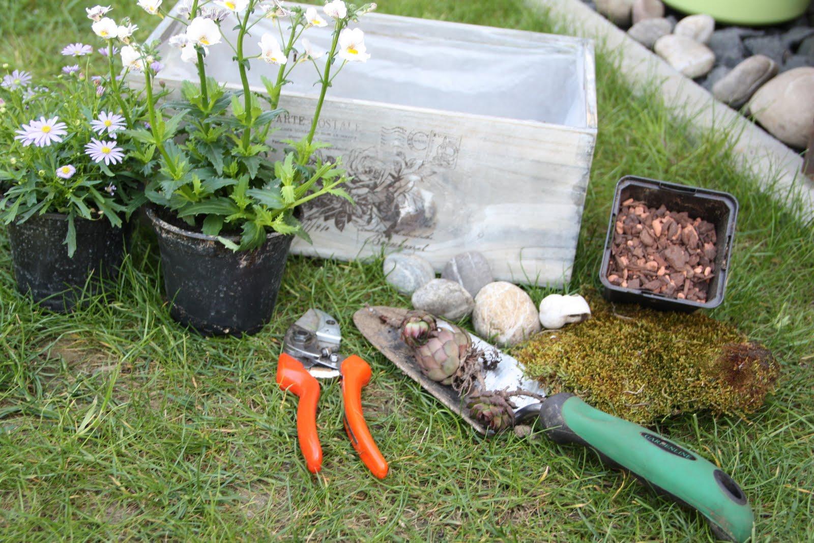teacup in the garden ein garten in der kiste. Black Bedroom Furniture Sets. Home Design Ideas