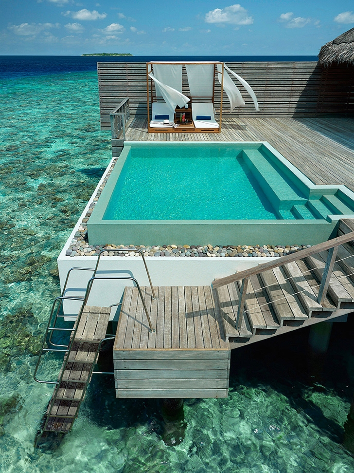 Edge swimming pool in Luxury Dusit Thani Resort in Maldives
