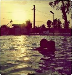Quiero ir a un lugar donde no exista nadie más que nosotros. Y convertirlo en nuestro mundo...