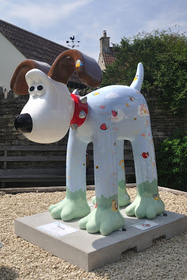 Harmony Gromit (side view)