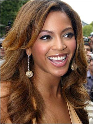 beyonce before and after nose. After Shakira