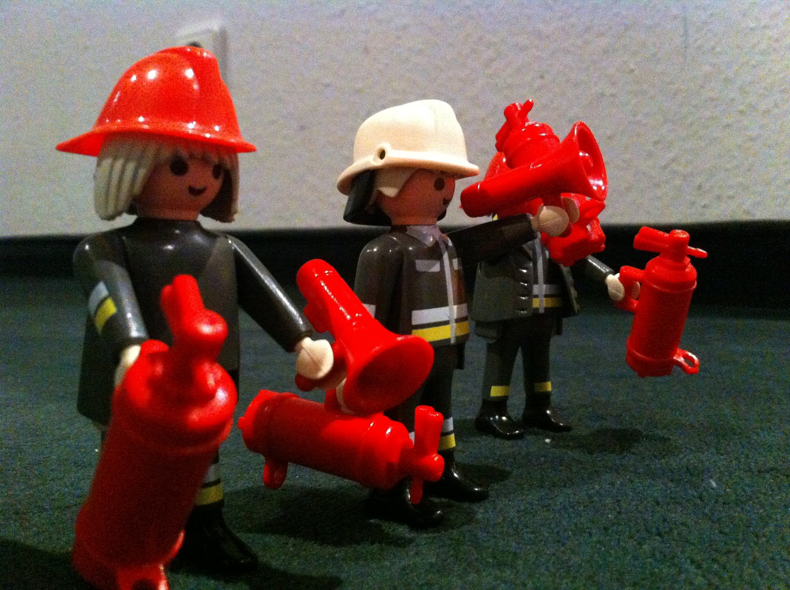 Ebay Kleinanzeigen Aachen: Kleinanzeigen Aachen: Playmobil- 3 Feuerwehrmänner Mit