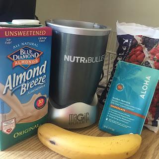 karlie kloss breakfast smoothie nutribullet aloha