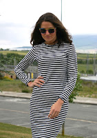 http://www.elmosquitoglamuroso.com/2015/06/vestido-de-rayas.html