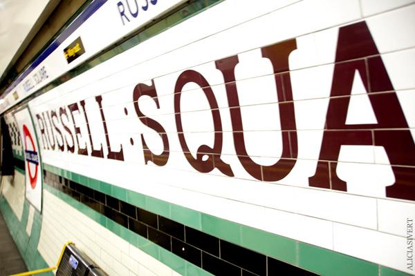 aliciasivert, alicia sivertsson, london, england, russell square, underground, tunnelbana, tunnelbanestation, tube, station