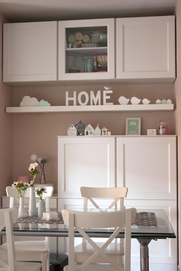 Pink frilly a casa con frilly 3 - Mobili neri camera da letto ...