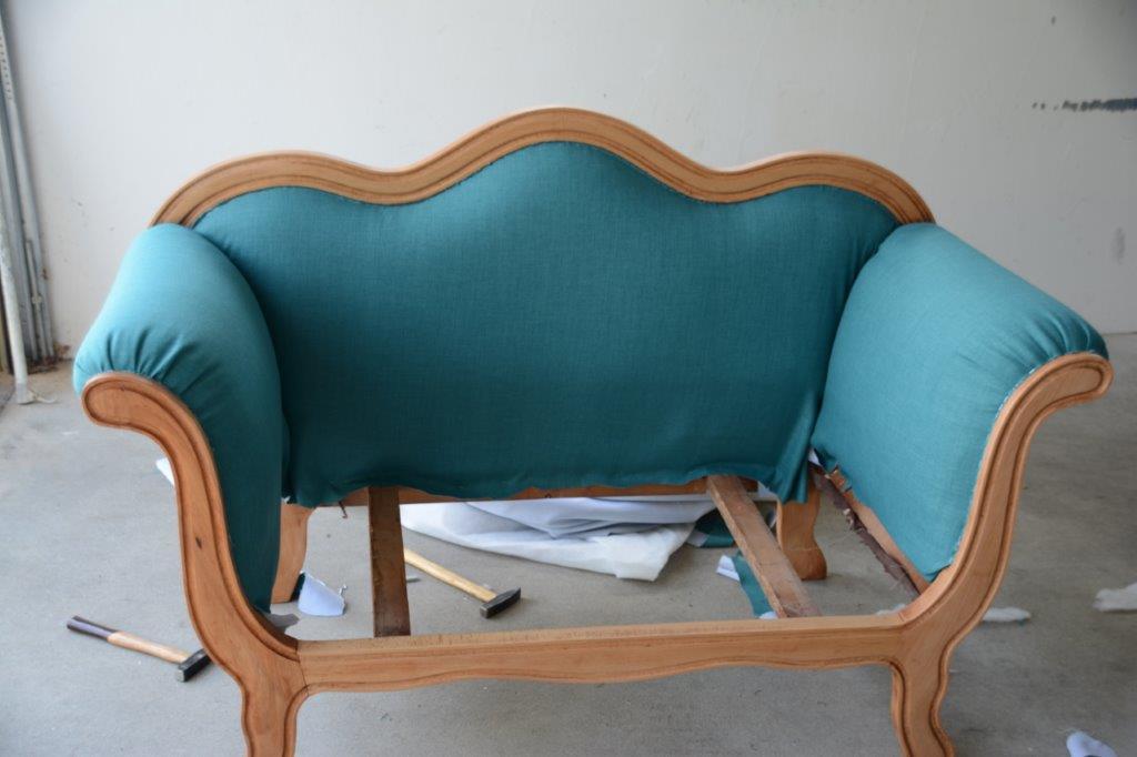 b zaubernd mit liebe von hand gemacht sofa neu polstern. Black Bedroom Furniture Sets. Home Design Ideas