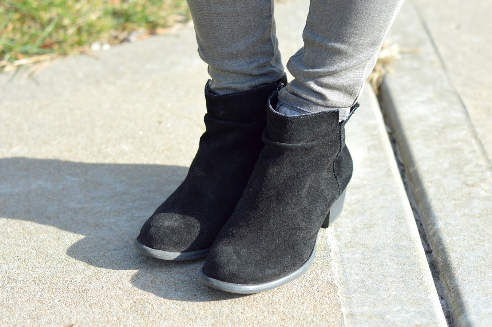 jessica simpson black booties