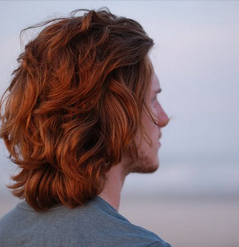 warna rambut mahogany keren untuk pria