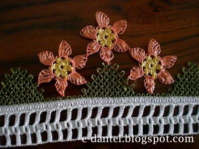 Çiçek Motifli Yazma Kenarı Modelleri