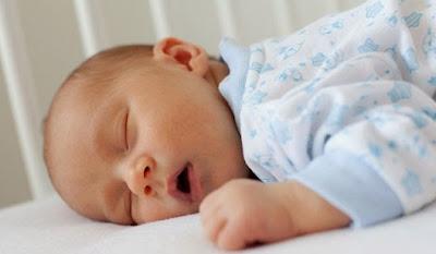 bebe-roncando - CRIANÇAS QUE RONCAM NECESSITAM DE CUIDADOS!