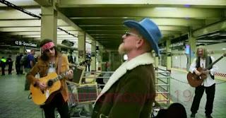 Inilah Alasannya, Mengapa Group Band U2 Terpaksa Ngamen Distasiun Kereta