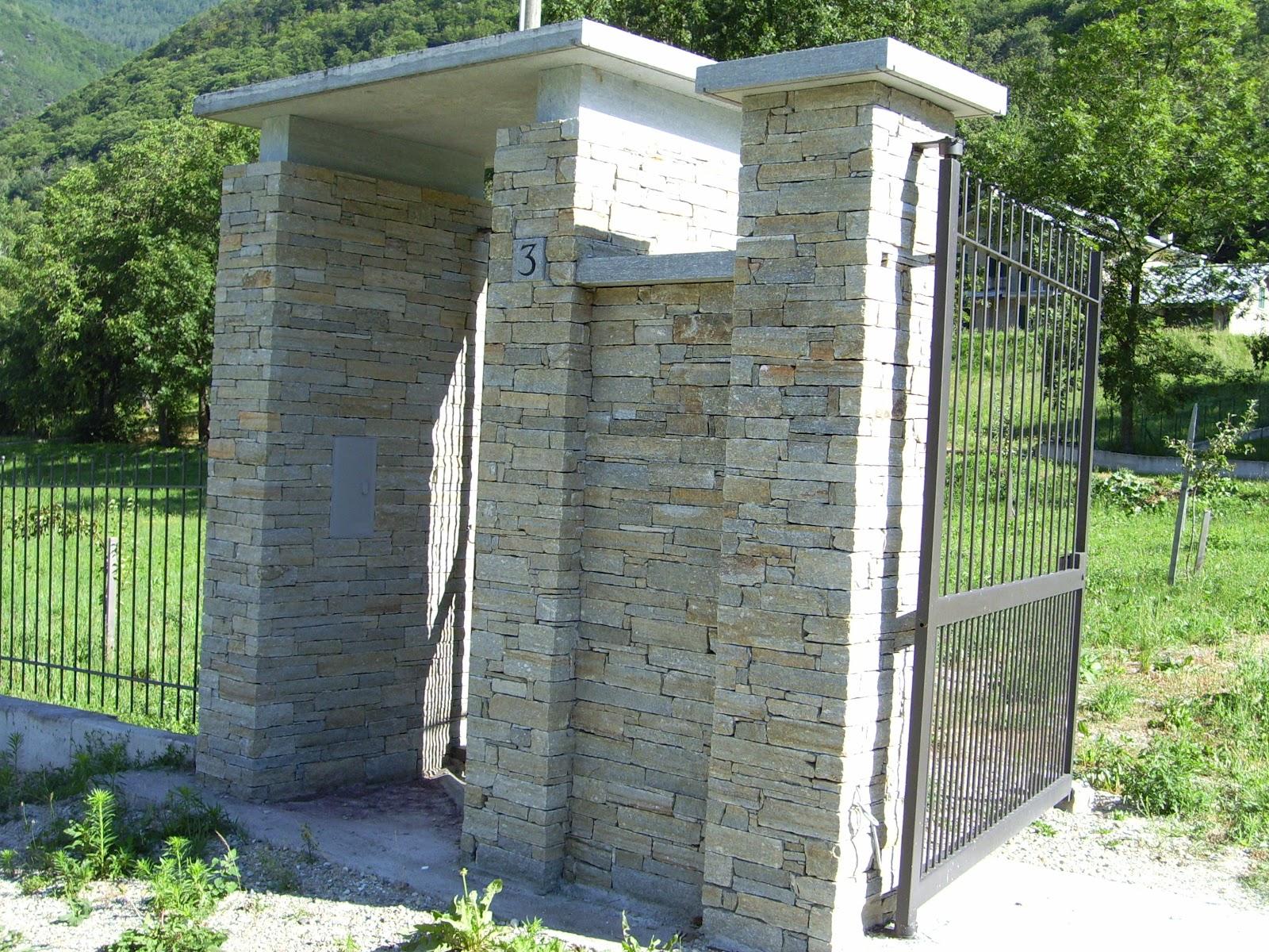 La pietra di luserna rivestimenti in pietra di luserna for Colonne in pietra per cancelli