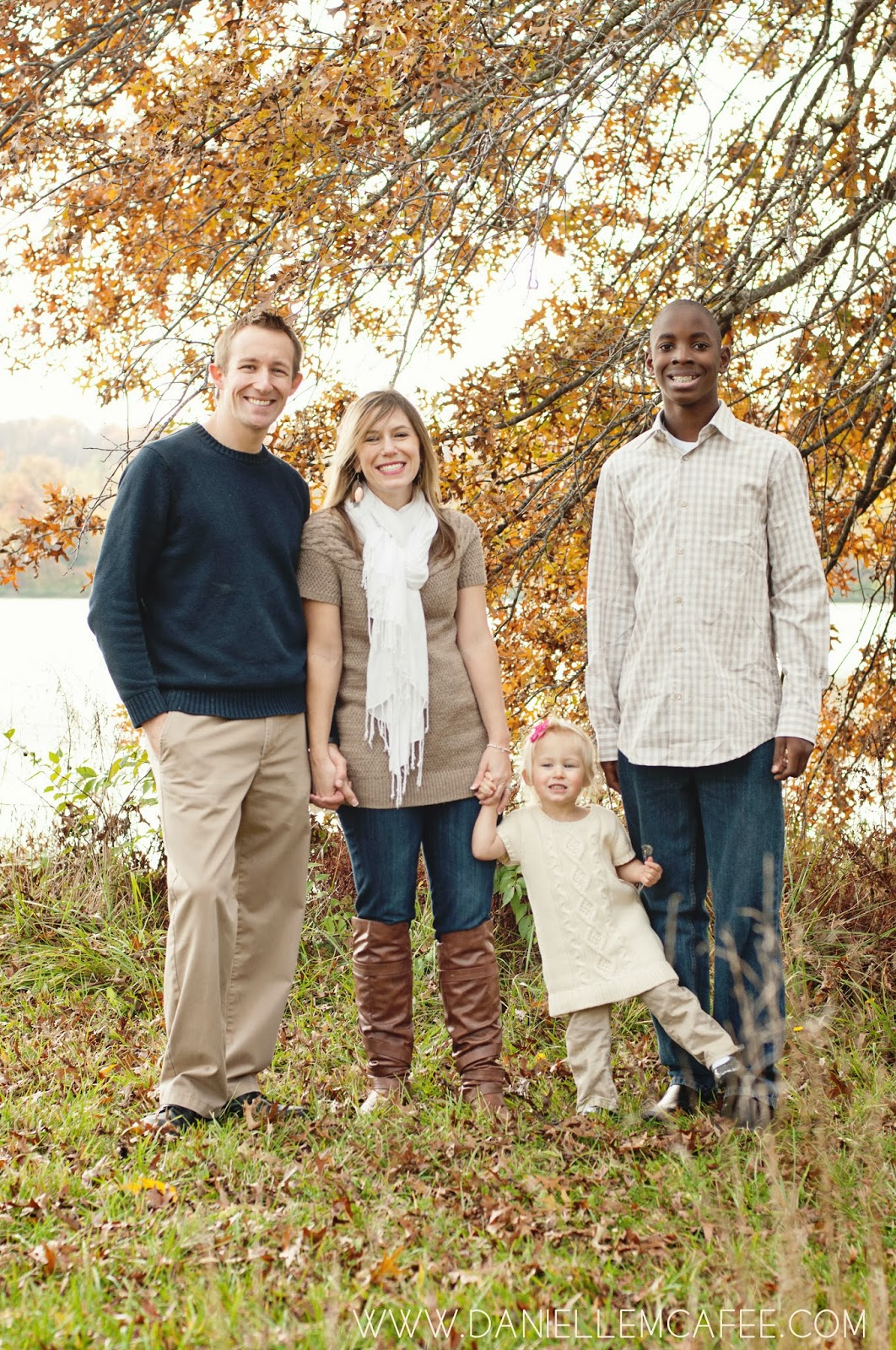 fall leaves Columbia Missouri family photographer