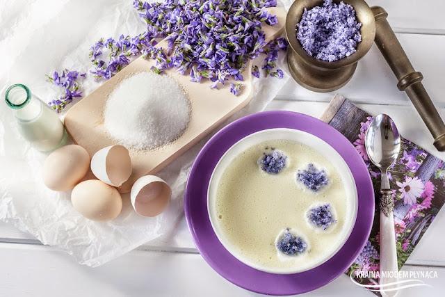 zupa nic, zupa na mleku, zupa na mleku i jajkach, zupa dla dzieci, deser mleczny dla dzieci, deser z mleka, pianki z białka, piana z białek, kraina miodem płynąca, cukier fiołkowy,