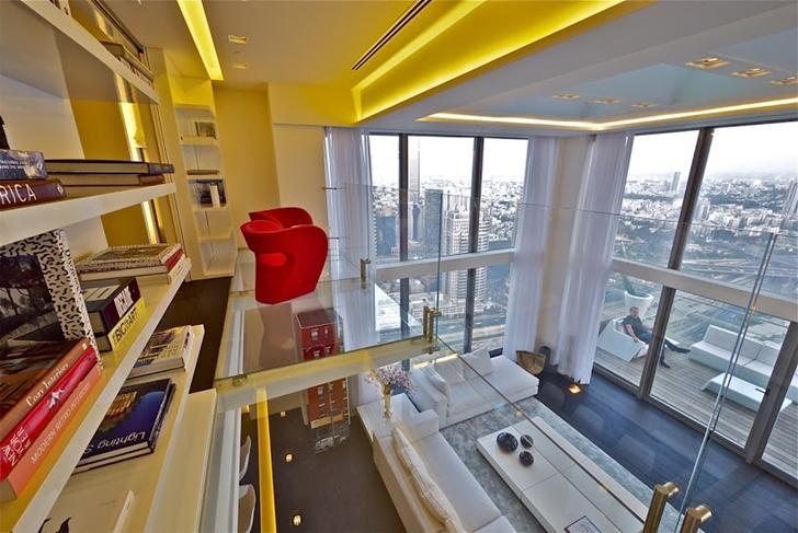Upper penthouse floor