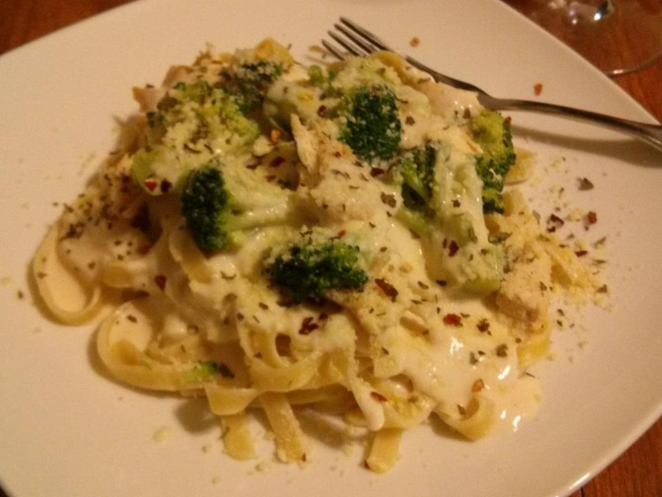 Why i don 39 t go to olive garden my chicken and broccoli - Olive garden chicken alfredo sauce recipe ...