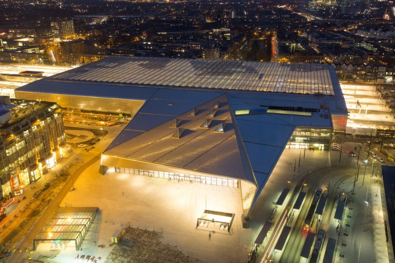 02-Rotterdam-Centro-Estación-por-Team-CS