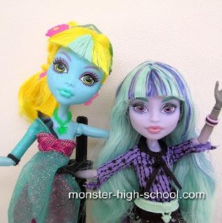 Lagoona Blue and Twyla Monster High Dolls